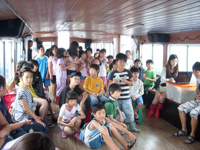 배를 타고 마산만을 탐험하다