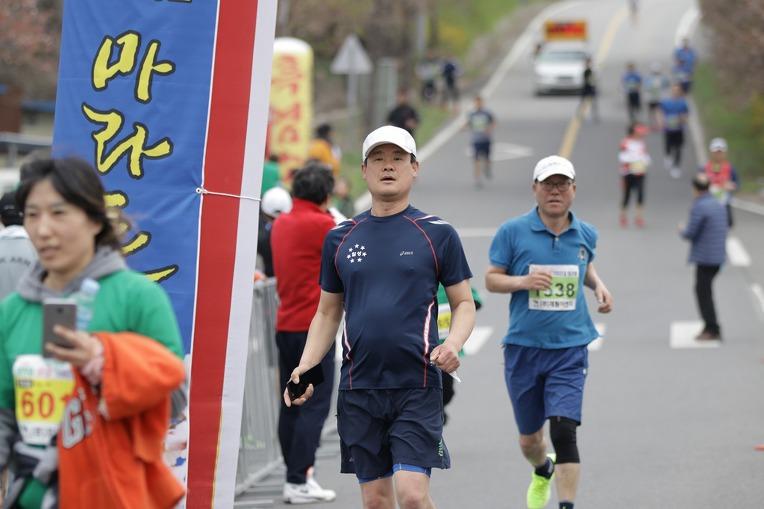 2019 영천댐 벚꽃마라톤대회 골인 (11:30:27 ~ 11:35:40)