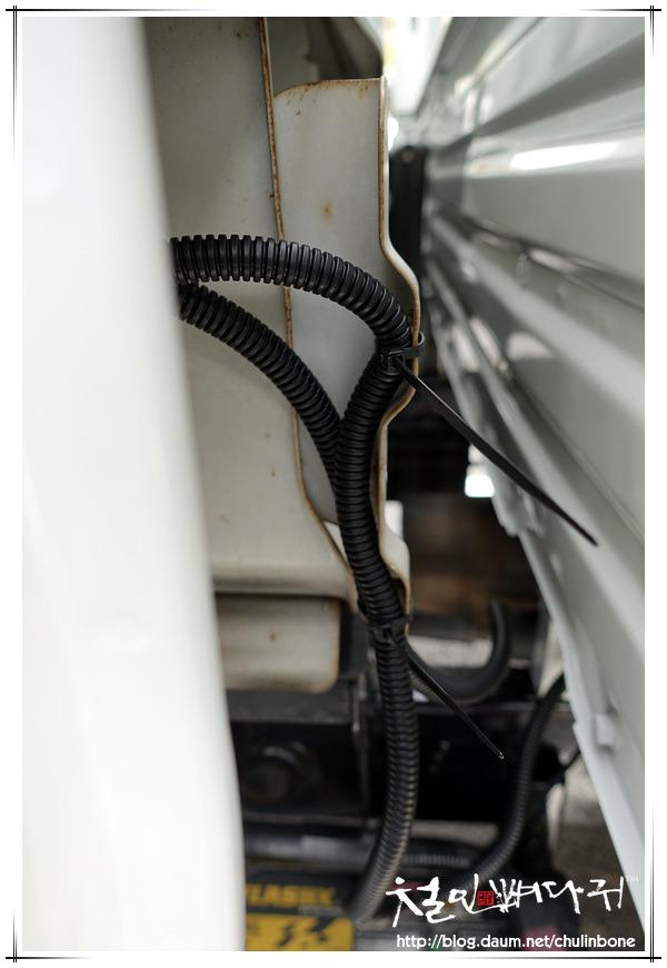 기아봉고3/4WD 후방센서.후방카메라.블랙박스.네비게이션 설치 및 배선작업